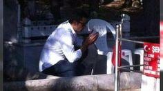 Kenan İmirzalıoğlu Şehit Ömer Halisdemir'in kabrini ziyaret etti: Yakışıklı oyuncu Kenan İmirzalıoğlu geçtiğimiz gün 15 Temmuz darbesinde şehit olan Astsubay Başçavuş Ömer Halisdemir'in kabrini ziyaret etti.
