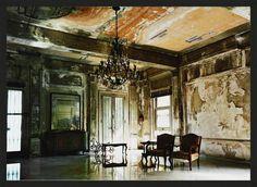 Werner Pawlok, House of Luisa Faxas - Havana, 2004 /2012, © fr.lumas.com/