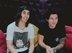 They're so cute cx -- Jaime Preciado and Vic Fuentes gif