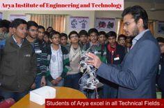 Students of Arya Institute demonstrating Working Model to Engineering Aspirants .