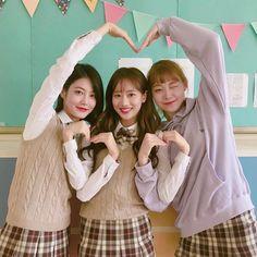 Do Hana , Yeo Boram , Kim Hana A-teen webdrama Korean Couple, Korean Girl, Asian Girl, Mode Ulzzang, Ulzzang Korea, Ullzang Girls, Teen Web, Teen Images, Teen Pictures