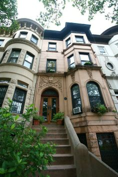 Peter's 1892 Brooklyn Brownstone House Tour | Apartment Therapy One Day I Will Have my New York Brownstone. Reign.