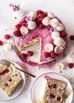 Himbeer-Raffaello-Torte ohne Gelatine - Emma's Lieblingsstücke Cute Desserts, Dessert Recipes, A Food, Food And Drink, Flamingo Cake, Drip Cakes, Popular Recipes, No Bake Cake, Amazing Cakes