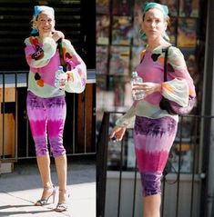 Outfits Only Carrie Bradshaw Can Pull Off - Clothes from Sex and the City Estilo Carrie Bradshaw, Carrie Bradshaw Outfits, Fashion Tv, Fashion Outfits, City Fashion, City Outfits, Newspaper Dress, Recycled Fashion, Recycled Clothing