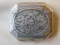 Vintage Art Nouveau Silver Engraved Floral 1920 Trifold Compact Karess Woodworth | eBay
