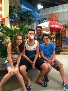 Lab Rats' Kelli Berglund, Spencer Boldman, Billy Unger, and Tyrel Jackson Williams at the beach!
