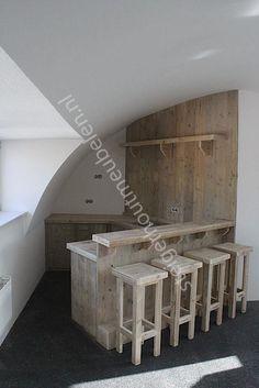 steigerhout, leuk voor een ruimte in de garage of aanbouw. Eigen bar voor feesten