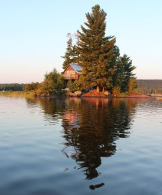 A cabin on its own private island in the Algonquin, Ontario (and it's available to hire!).