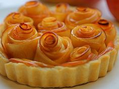 Rose Apple Tart by Buona Pappa as part of the Friday Five - Mother's Day addition at Feed Your Soul Too No Egg Desserts, Kinds Of Desserts, Vegan Desserts, Delicious Desserts, Dessert Recipes, Yummy Food, Sweet Desserts, Apple Tart Puff Pastry, Apple Rose Tart