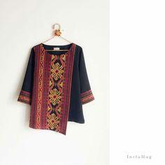 Batik Kebaya, Batik Dress, Batik Fashion, Ethnic Fashion, Batik Blazer, Mode Batik, Blouse Models, Simple Shirts, Blouse Designs