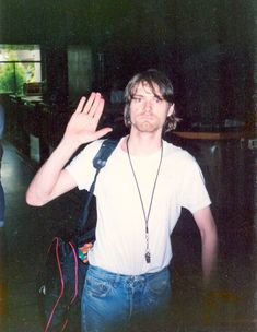How dorky is this Cobain pic? It's too cute!
