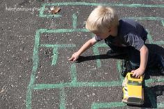 maze-for-preschoolers-chalk