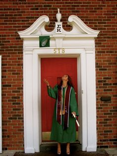 one last picture of in front of sigma kappa. four years of memories in this house! Gotta do this at graduation!