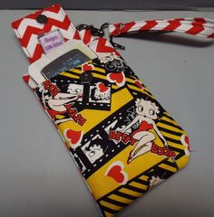 Hey, I found this really awesome Etsy listing at https://www.etsy.com/listing/175388583/small-wristlet-wallet-or-bag-with-smart