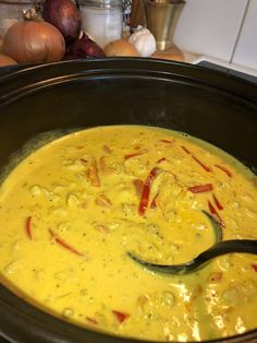 Cheeseburger Chowder, Thai Red Curry, Chicken Recipes, Food And Drink, Soup, Ethnic Recipes, Henna, Drinks, Red Peppers