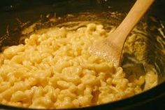 Cook out!!!  BlueDaisy in the BlueGrass: Recipe Monday: Crock Pot Mac and Cheese