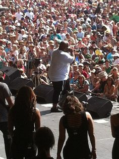 Cee Lo Green on Congo Square Stage. In my opinion if you mixed Solomon Burke, Mayer Hawthorne and Barry White you get Cee Lo.