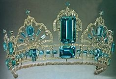 Brazilian Aquamarine Tiara (new form), United Kingdom (1971; made by Garrard; aquamarines, diamonds, platinum).
