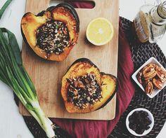 Wild Rice Stuffed Acorn Squash Autumn Recipes Vegetarian, Vegetable Recipes, Winter Recipes, Veggie Food, Grilling Recipes, Cooking Recipes, Acorn Squash Recipes, Butternut Squash, Rice Side Dishes