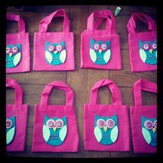 Owl Party favor Goody Bags    http://ourlittlenestonthelake.blogspot.com/2012/09/owl-party-favor-bags.html