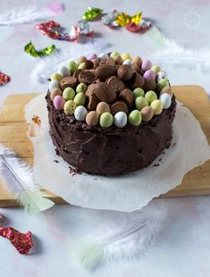 Chocolateless Chocolate Cake - Suklaaton suklaakakku Perfect Chocolate Cake, Tasty Chocolate Cake, Like Chocolate, Chocolate Flavors, Chocolate Recipes, Canned Frosting, Whipped Frosting, Cocoa Cake, Chocolate Espresso