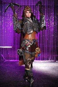 Demon Hunter cosplay from Diablo 3