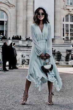 Aimee Song wearing Chloé - The Street Style at Paris Fashion Week Promises Endl. - Aimee Song wearing Chloé – The Street Style at Paris Fashion Week Promises Endless Outfit Inspiration – March 2017 Source by - Fashion Mode, Look Fashion, Fashion Beauty, Womens Fashion, Dress Fashion, Romantic Style Fashion, Chloe Fashion, Autumn Fashion, Fashion Outfits