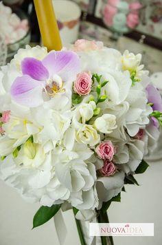 Lumânările de căsătorie sunt mai mult decât o completare a buchetului de mireasă sau a tematicii alese în general ele au și însemnătate deosebită: sunt simbolul iubirii dar reprezintă și lumina ce va călăuzi noua viață a cuplului ce îți unește destinele. Ce parfum ți-ai dori să aibă viața ta de familie? http://ift.tt/2mFbHx8