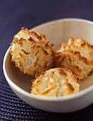 Los coquitos , son una galletas de coco  clásica, muy sencilla de preparar. Su nombre esta dado por su ingrediente  principal, el coco  que...