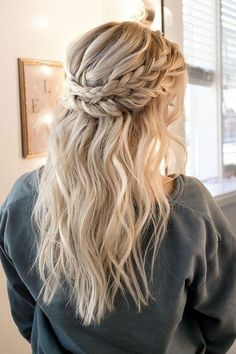 25 Simple And Trendy Half Up Half Down Wedding Hairstyle Ideas In 2019 - Page 14 of 25 Prom/Hoco Hair; Braid Styles For Long Or Medium Length Hair; Easy Hairstyles For Women;Half Down Half Up Hairstyle; Elegant Wedding Hair, Wedding Hair Down, Wedding Hair And Makeup, Wedding Updo, Trendy Wedding, Braided Wedding Hair, Wedding Ceremony, Wedding Gold, Wedding Art