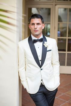 It comes as no surprise that this luxury Southern California all white wedding day makes it to our classic, timeless and modern day chic best of 2018 list. White Wedding Suit, Best Wedding Suits, Tuxedo Wedding, Lace Hairpiece, Theatre Wedding, Wedding Ceremony Decorations, Wedding Reception, Stylish Mens Outfits, Strictly Weddings