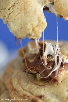 s'mores stuffed chocolate chip cookies... Heaven!