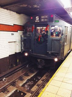 All aboard the holiday train! Special winter holiday events in NYC on shershegoes.com