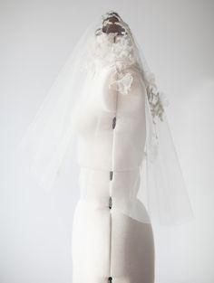 Voile de mariage Bridal Veil voile Floral courte par sibodesigns
