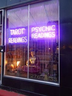 Tarot Free Readings Psychic Free Tarot Reading online....Join Us in Live and Free Psychic chat