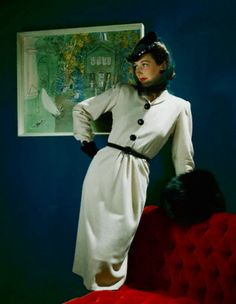 vintage everyday: Extraordinary Color Fashion Photography Taken During the by John Rawlings 1940s Fashion, 50 Fashion, Fashion Brands, Fashion Dresses, Vintage Fashion, Womens Fashion, Fashion Styles, Marie Claire, Photos Of Dresses