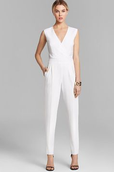 Black Tie Outfit Ideas - Formal Dresses, Gowns Invited to a black-tie affair? Look the part with one of these 16 gorgeous gowns, dresses, and tuxedos. You'll get noticed for all the right reasons. White Jumpsuit Formal, White Pantsuit, Trina Turk Jumpsuit, Pleated Jumpsuit, Jumpsuit Elegante, Wedding Jumpsuit, Black Tie Affair, Cooler Look, Mode Style