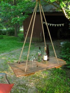 HANGING TABLE- Barn Wood Hay DOOR- repurposed door Nugent you should do this under one of your trees so we can sip wine in fashion. Outdoor Projects, Home Projects, Old Barn Doors, Do It Yourself Furniture, Hanging Table, Outdoor Living, Outdoor Decor, Barn Wood, Wood Wood