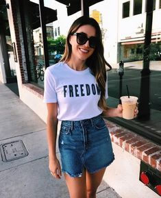 With college just around the corner, here's our weekly summer outfits guide curated just for you. Choose from a selection of casual summer fashion to wear every day. Outfits For Teens, Trendy Outfits, Cute Outfits, Fashion Outfits, Ootd Fashion, Stylish Clothes For Women, Estilo Fashion, Fashion Styles, Fashion Fashion
