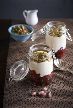 Nuts for Life's Yoghurt berry pistachio compote - love these jars