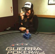 Opa deu nóis de novo :) @guerrapokerclub #poker #mulheresnopoker