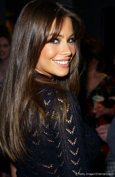 Sofia Vergara On Being Confused For Son's Girlfriend: I love that! - I love this look on sofia - Brunette Beauty, Brunette Hair, Hair Beauty, Stylish Short Hair, Corte Y Color, Short Hair Wigs, Silky Hair, Loose Hairstyles, Beautiful Smile