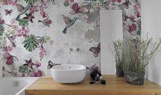 Carta da parati con fiori, foglie, romantica, vintage, atmosfera da sogno per il bagno