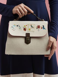 This gorgeous ladylike handbag features a sweet birdie-embellished flap and a professional-looking case handle. Please be aware this download is for the pattern templates only. Buy a copy of Love S…