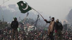 Enraged Indian Press Takes On Kashmiris For Waving Pakistani Flag