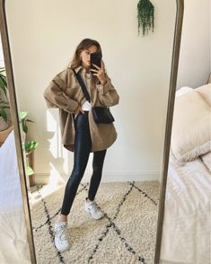 Teen Fashion Outfits, Edgy Outfits, Fall Outfits, Cute Outfits, Modesty Fashion, Edgy Chic, Outfit Goals, Preppy Style, Minimalist Fashion