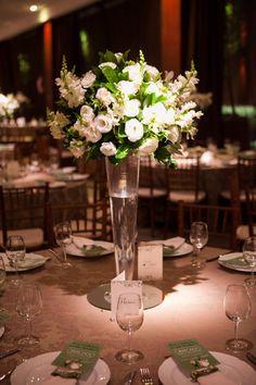 ♥♥♥  Casamento real da Carol e do Glauber Um casamento real dos sonhos, com muito planejamento e ideias legais! Chega mais pra ver que noivos lindos foram a Carol e o Glauber! http://www.casareumbarato.com.br/casamento-real-da-carol-e-do-glauber/