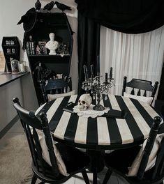 Dark Home Decor, Goth Home Decor, Halloween Home Decor, Horror Decor, Gothic House, Dream Rooms, Home Interior Design, Gothic Interior, Interior Ideas