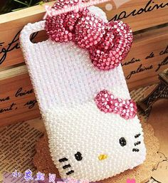 bowknot and hello Kitty Artificial Pearl cell by SuppliesEmpire, $29.90 @Lynn Bruin