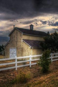 Beautiful Barn Picture